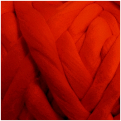 Wool tops 50g. ± 2,5g. Color - red, 26 - 31 mik.