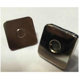 Magnetinis užsegimas rankinei, 18x18 mm skersmens, metalo spalvos.