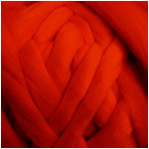 Merino vilnos sluoksna 50 g. ± 2,5 g. Spalva - raudona, 15,6 - 18,5 mik.