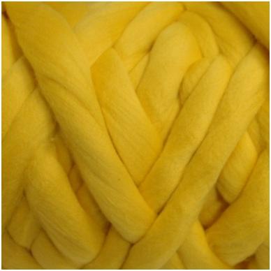 Merino vilnos sluoksna 50 g. ± 2,5 g. Spalva - geltona, 15,6 - 18,5 mik.