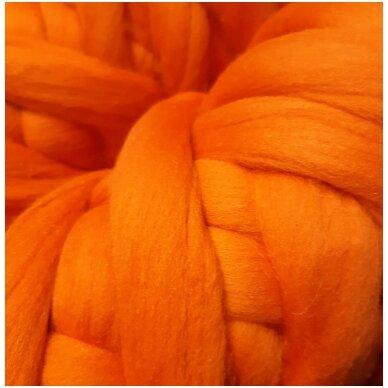 Merino vilnos sluoksna 50g. ± 2,5g. Spalva - oranžinė, 20,1 - 23 mik.