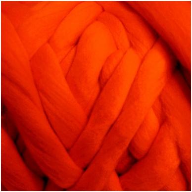 Medium Merino wool tops 50g. ± 2,5g. Color - pink, 20.1 - 23 mik.