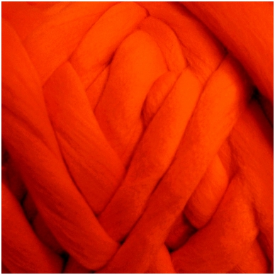 Merino vilnos sluoksna 50g. ± 2,5g. Spalva - ryški koralų, 20,1 - 23 mik.