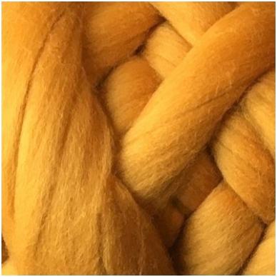 Medium Merino wool tops 50g. ± 2,5g. Color - reddish yellow, 20.1 - 23 mik.