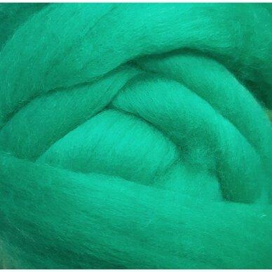 Merino vilnos sluoksna 50g. ± 2,5g. Spalva - signalinė žalia, 18,6-20 mik.
