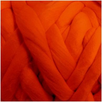 Merino vilnos sluoksna 50g. ± 2,5g. Spalva - tamsi oranžinė, 18,6-20 mik.