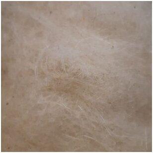 Lietuviškų Škudžių avių vilnos karšinys. Spalva: natūrali balta. Pakuotėje 50 gramų.