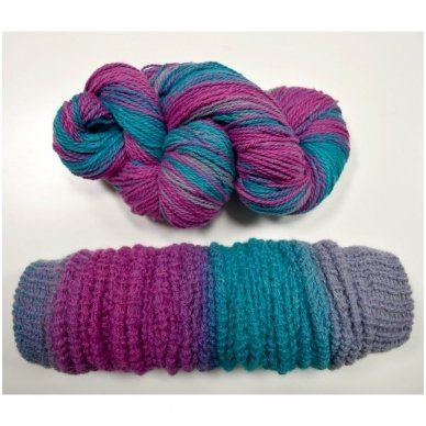 Vilnonių siūlų matkelis 150g. ± 5%. Spalva - violetinė, melsva, turkis. Sudėtis - 100% vilna. 2