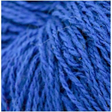 Vilnonių siūlų matkelis 150g. ± 5g. Spalva - mėlyna. Sudėtis - 100% vilna.