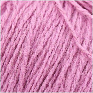 Vilnonių siūlų matkelis 150g. ± 5g. Spalva - šviesi rožinė. Sudėtis - 100% vilna.