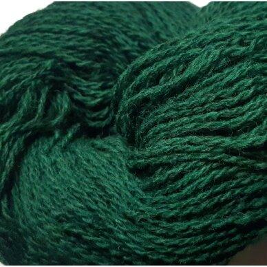 Vilnonių siūlų matkelis 150g. ± 5g. Spalva - žalia. Sudėtis - 100% vilna.
